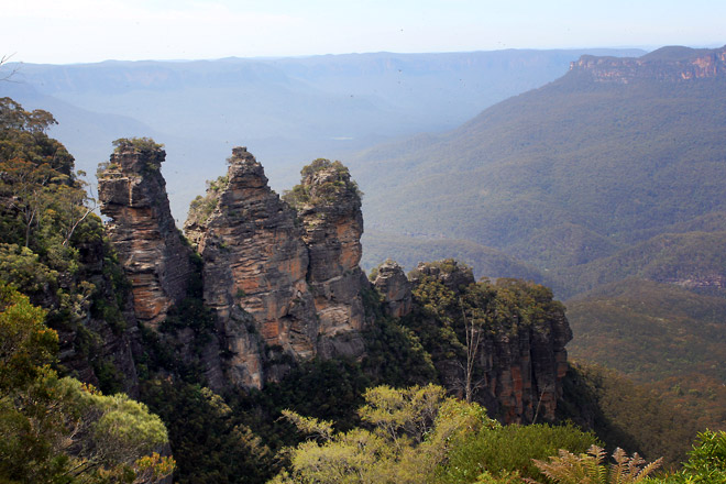 Three Sisters, rock formations at Blue Mountain.