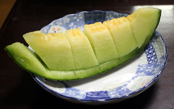 Japanese eating: melon!