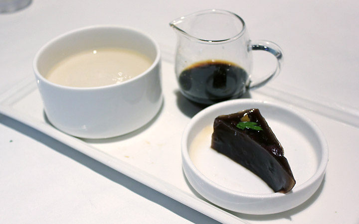 Coffee jelly and pudding.